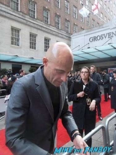 mark strong Empire Awards Red Carpet Signing autographs henry Cavill simon pegg 35