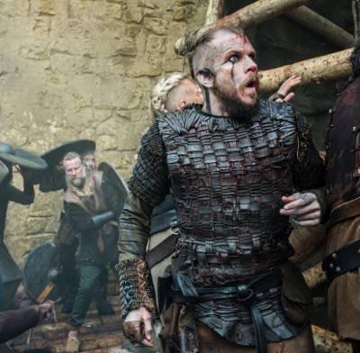 Floki (Gustaf Skarsgard) 2 vikings season 3 to the gates