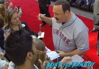 Paul Blart mall cop 2 movie premiere kevin james signing autographs 4