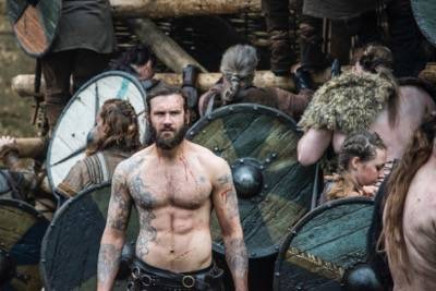 Rollo (Clive Standen)  naked shirtless vikings season 3 to the gates