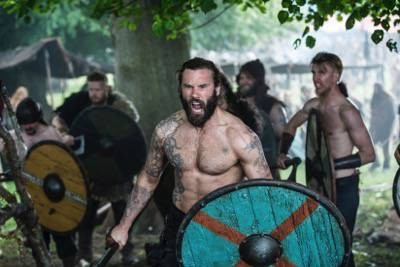 Rollo (Clive Standen) vikings to the gates episode 8