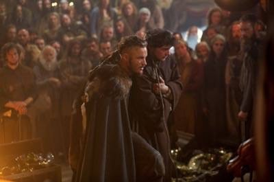 Vikings ragnar athelstan photo travis fimmel 4