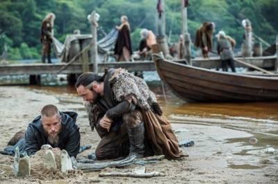 Vikings ragnar athelstan photo travis fimmel 4