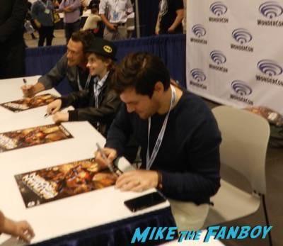 batman vs robin signing Wondercon day 1 batman vs robin signing capcom fox fanfare 29