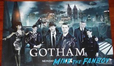 Gotham cast signed autograph poster wondercon 2015