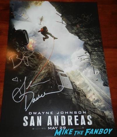 San Andres signing wondercon 2015 carla gugino