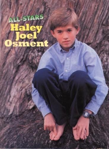 Haley Joel Osment pin up
