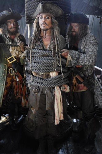 Pirates of the Caribbean dean men tell no tales jack sparrow