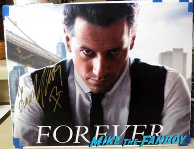 Ioan Gruffudd signed autograph signing autographs jimmy kimmel live 2015 5