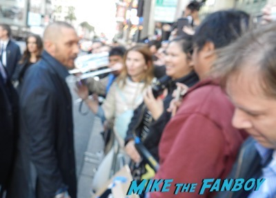 tom hardy signing autographs Mad Max Fury Road premiere Tom Hardy signing autographs 4