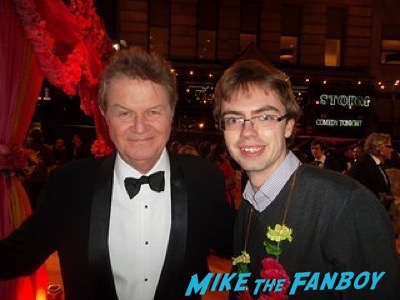 John Madden Second Best Exotic Marigold Hotel – World Premiere signing autographs13