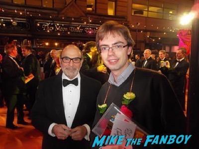 David Suchet Second Best Exotic Marigold Hotel – World Premiere signing autographs1