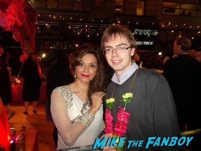 Lillete Dubey Second Best Exotic Marigold Hotel – World Premiere signing autographs17