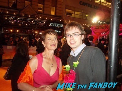 Celia Imrie Second Best Exotic Marigold Hotel – World Premiere signing autographs20