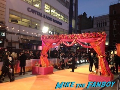 Second Best Exotic Marigold Hotel – World Premiere signing autographs22