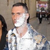 adam levine sugar bombed jimmy kimmel live 2015 1