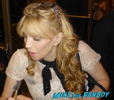 Courtney Love fan photo signing autographs rare 2