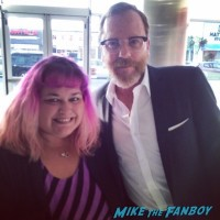 Keifer sutherland fan photo signing autographs selfie 1