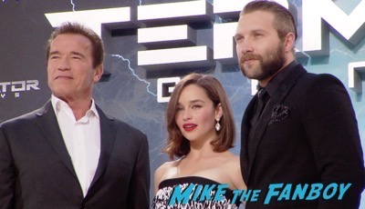 Terminator Genisys Berlin Premiere Arnold Schwarzenegger signing autographs 1