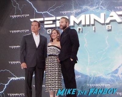 Terminator Genisys Berlin Premiere Arnold Schwarzenegger signing autographs 16