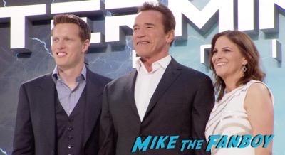 Terminator Genisys Berlin Premiere Arnold Schwarzenegger signing autographs 21