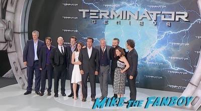 Terminator Genisys Berlin Premiere Arnold Schwarzenegger signing autographs 9