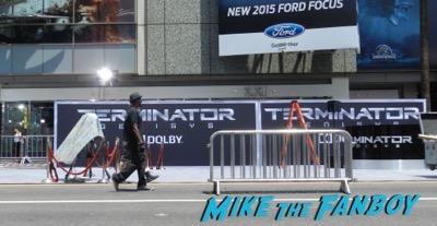 Terminator: Genisys los angeles premiere arnold schwarzenegger signing autographs 1