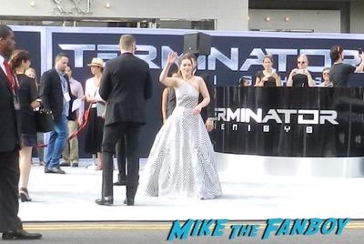 emilia clarke Terminator: Genisys los angeles premiere arnold schwarzenegger signing autographs 20