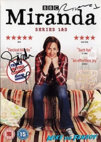 Sarah Hadland spy london premiere melissa mccarthy signing autographs 15