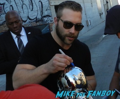 Jai Courtney signing autographs jimmy kimmel live 2015 16