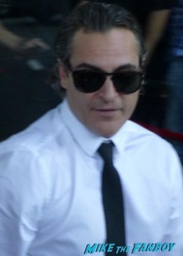 Joaquin Phoenix signing autographs fan photo now 2015 1