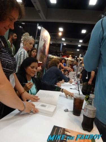 Outlander SDCC signing 2015 (15)