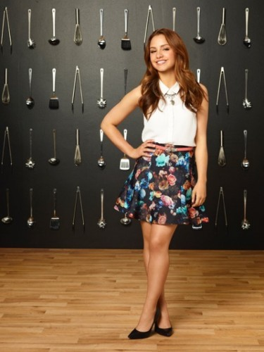 "YOUNG & HUNGRY - Aimee Carrero stars as Sofia Rodriguez on ABC Family's ""Young & Hungry."" (ABC FAMILY/Bob D'Amico)"