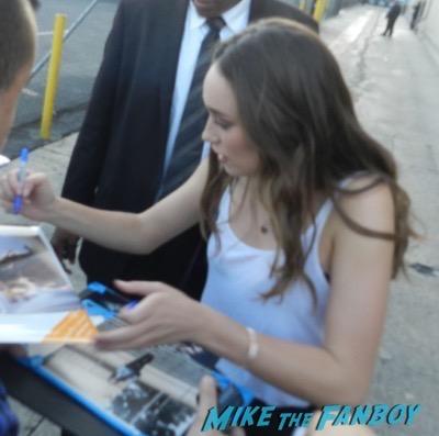 Alycia Debnam-Carey signing autographs jimmy kimmel live 2