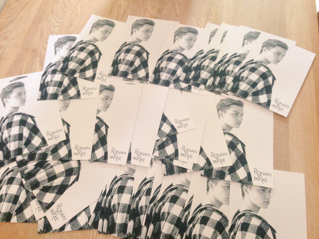 Ronan Parke signing fanmail