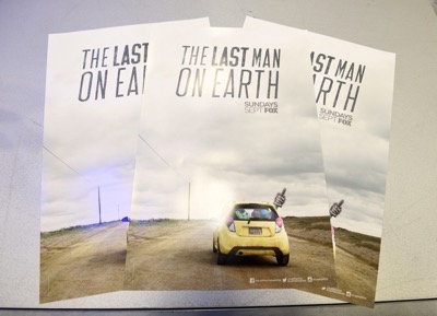 Last Man On Earth Cast Signing SDCC 2015 Will Forte January Jones 1