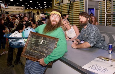 Last Man On Earth Cast Signing SDCC 2015 Will Forte January Jones 10