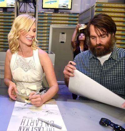 Last Man On Earth Cast Signing SDCC 2015 Will Forte January Jones 4