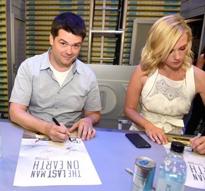 Last Man On Earth Cast Signing SDCC 2015 Will Forte January Jones 5