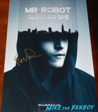 Portia Doubleday signed Mr. Robot poster autograph1