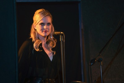 """Sex&Drugs&Rock&Roll - """"Lust For Life"""" -- Ep 103 (Airs Thursday, July 30, 10:00 pm e/p) -- Pictured: Elaine Hendrix as Ava. CR. Ali Goldstein/FX"""