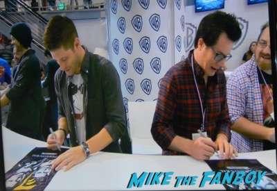 Supernatural autograph signing Jared Padalecki! Jensen Ackles autograph sdcc 2015 9