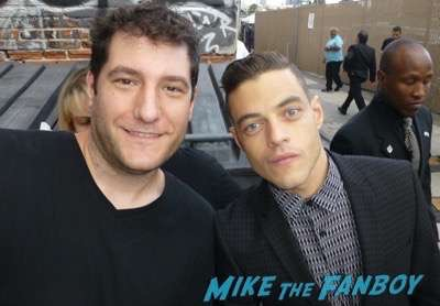 Rami Malek fan photo signing autographs jimmy kimmel live 1