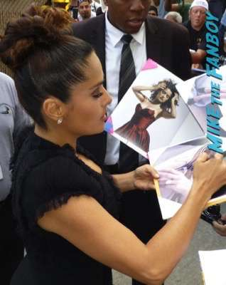 Salma Hayek fan photo signing autographs jimmy kimmel live 5