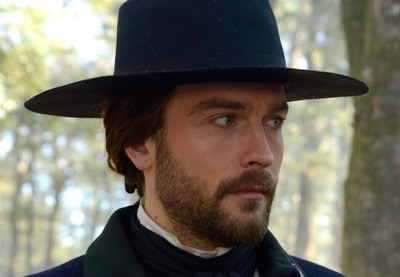 "SLEEPY HOLLOW: Ichabod (Tom Mison) in the ""Tempus Fugit"" Season Finale episode of SLEEPY HOLLOW airing Monday, Feb. 23 (9:00-10:00 PM ET/PT) on FOX. ©2015 Fox Broadcasting Co. CR: Brownie Harris/FOX"