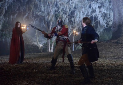 """SLEEPY HOLLOW: Katrina (Katia Winter, L), Ichabod (Tom Mison, R) and a an evil soldier fight in the """"Tempus Fugit"""" Season Finale episode of SLEEPY HOLLOW airing Monday, Feb. 23 (9:00-10:00 PM ET/PT) on FOX. ©2015 Fox Broadcasting Co. CR: Brownie Harris/FOX"""