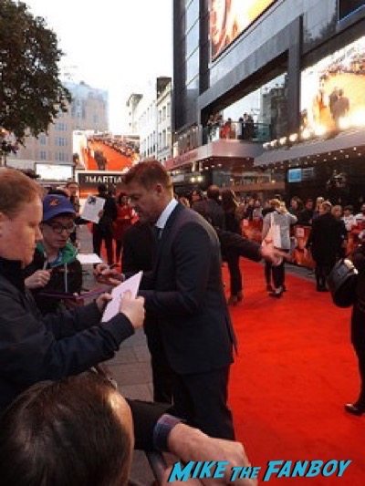 sean bean The Martian UK Premiere red carpet matt damon 1