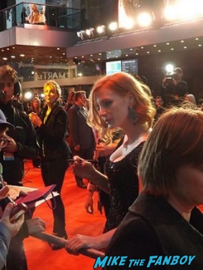 jessica chastain The Martian UK Premiere red carpet matt damon 6