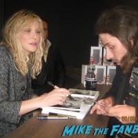 courtney love signing autographs berlin germany 2
