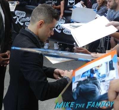 rami Malek signing autographs jimmy kimmel live 2015 7